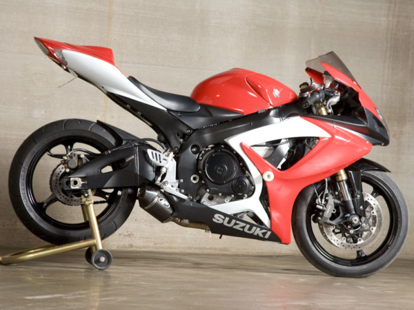 2006-076 GSXR600/750 Street Slayer - Carbon